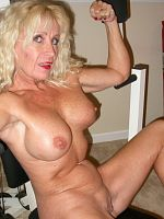 A HOT GRANNY works out NAKED at GYM