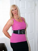 I hope you like my latest set in this pink top Melody x