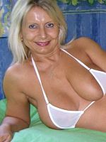 Amateur mature big mature tits