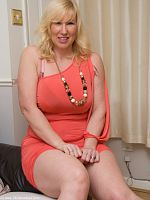 Hope you like my peach dress as much as I do Melody x