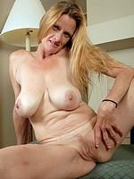 Big Tits Cougar Fucked